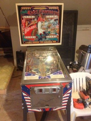 Rare 1976 Bally's Elton John Captian Fantastic Pinball Machine