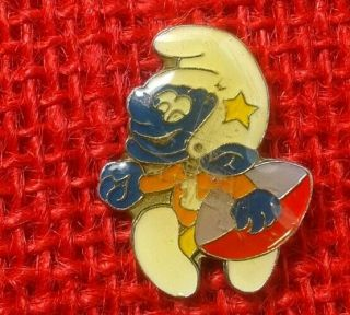 "Vintage Football Smurf Dallas Cowboys 7/8 "" ×3/4 "" Vary Rare Hat Pin/ Lapel."