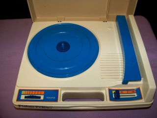 Vintage Rare 1978 Fisher Price 825 Record Player Phonograph 33 & 45