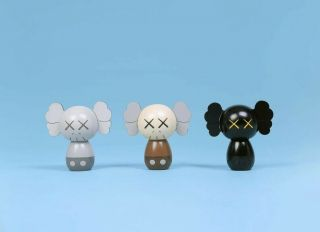KAWS:HOLIDAY JAPAN Limited Kokeshi Doll Set (Set of 3) IN HAND 2