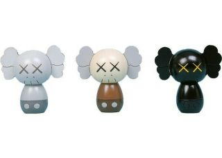 KAWS:HOLIDAY JAPAN Limited Kokeshi Doll Set (Set of 3) CONFIRMED 2