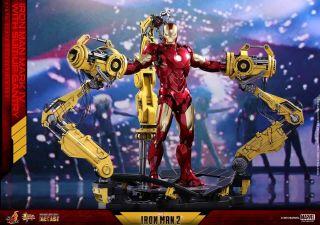 Hot Toys Iron Man Suit - Up Gantry With Mark Iv Die Cast Mms462 - D22 -