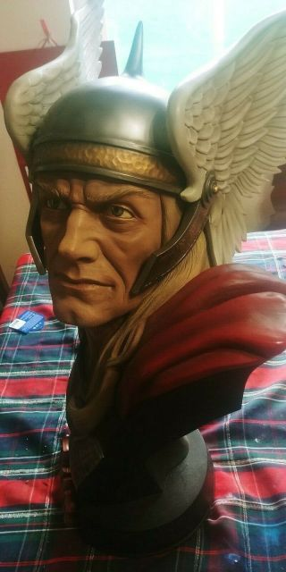 Sideshow Exclusive Thor Life Size Bust Sideshow Life Size Bust Thor