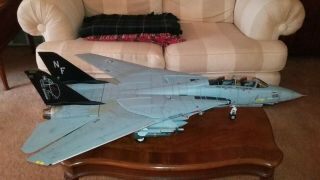 Jsi 1/18 Scale F - 14 Tomcat Black Knights Led Light Up Edition With