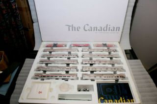 "Rapido Ho Cp Rail (action Red/pacman) "" The Canadian "" Set - Complete W/"