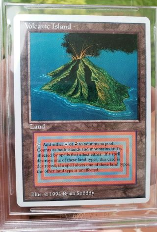 Vintage Magic | BGS 9 MTG Summer Magic Volcanic Island.  5 from 9.  5 w/10 SUBGRADE 4