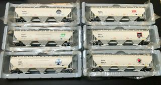 Set Ho Scaletrains Rivet Counter Bnsf Heritage Covered Hoppers Bn,  Sf,  Np, .