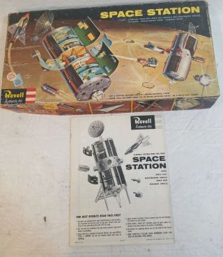 Revell 1959 H - 1805 - 498 Space Station Model Kit Box Lid & Instructions Only