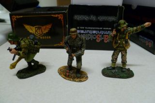 Set Of 3 Wehrmacht Waffen Ss Spanish King Country Honor Collectors Showcase 1/30