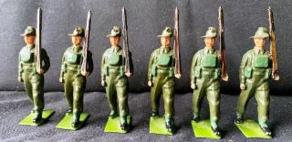 Britains Toy Lead Soldiers Australian Infantry Battle Dress Marching Slope 2031
