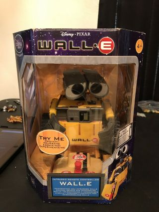 Wall E Robot Toy Infared Remote Control Thinkway Disney Store Exclusive