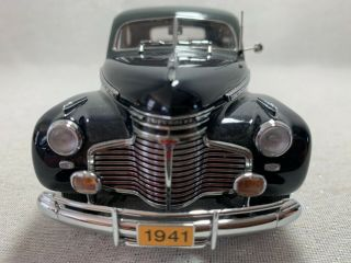 Danbury 1941 Chevy Special Deluxe Coupe,  1:24,  Marine Blue & Squadron Gray