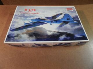 2 Kits 1 Box 1/72 Academy Boeing B17c & B - 17e And Pictures