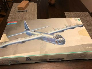 Monogram 5707 B - 36 Peacemaker Model Bomber Plane 1:72 Rb - 36 Usaf
