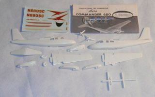 Aurora Aero Commander 680 Plastic Model Kit
