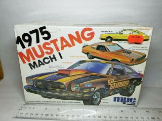 1/25 Mpc 1975 Ford Mustang Mach I Unsealed Model Kit