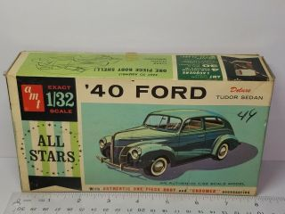 1/32 Amt 1940 Ford Deluxe Tudor Sedan Unsealed Model Kit