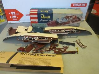 Revell Chris Craft Flying Bridge Cruiser Kit Ob