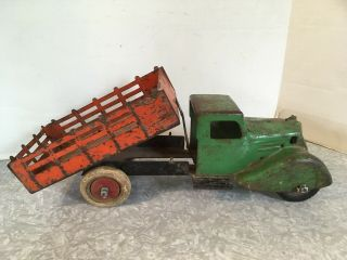 Antique Wyandotte Kingsbury Tipping Stake Truck Rooster Comb Pressed Steel -