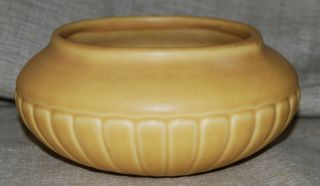 Arts And Crafts 1924 Rookwood Art Pottery Mat Yellow Bowl