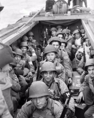 Us Troops Aboard A Landing Craft Head Wwii 8x10 Photo Print 4313 - Wpr