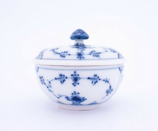 Unusual Bowl With Lid 2306 - Blue Fluted - Royal Copenhagen - 1:st Quality