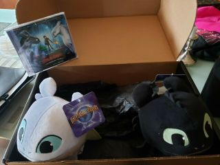 How To Train Your Dragon Promo Box Two Plushies & Soundtrack Dvd