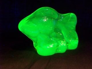 Vaseline Uranium Glass Angel Fancy Tail Gold Fish Figurine Art Glow (188879