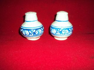 Pair Dedham Pottery Arts And Crafts Rabbit Salt & Pepper 2