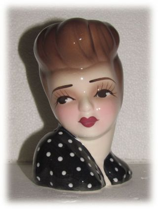 "Unique Creations American Craft Small 6.  5 "" Tall Polka Dot Dress Lady Head Vase"