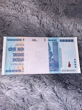 100 Xzimbabwe 100 Trillion Dollars 2008.  Uncirculated And In Chronological Order