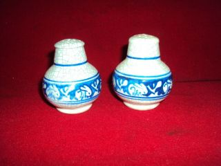 Pair Dedham Pottery Arts And Crafts Rabbit Salt & Pepper 1