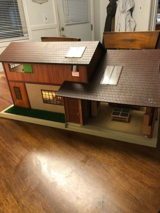 Tomy Smaller Homes Dollhouse & Furniture Home And Garden Doll House
